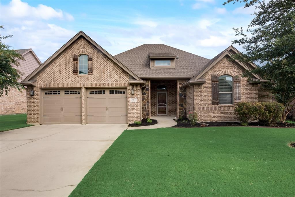 512 Magnolia  Parkway, Benbrook, Texas 76126 - Acquisto Real Estate best frisco realtor Amy Gasperini 1031 exchange expert