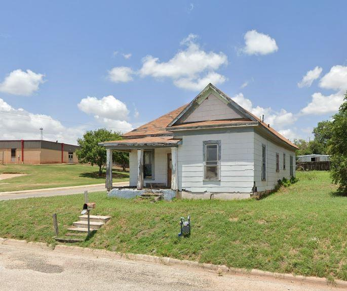 307 Canfil  Street, Sweetwater, Texas 79556 - Acquisto Real Estate best frisco realtor Amy Gasperini 1031 exchange expert