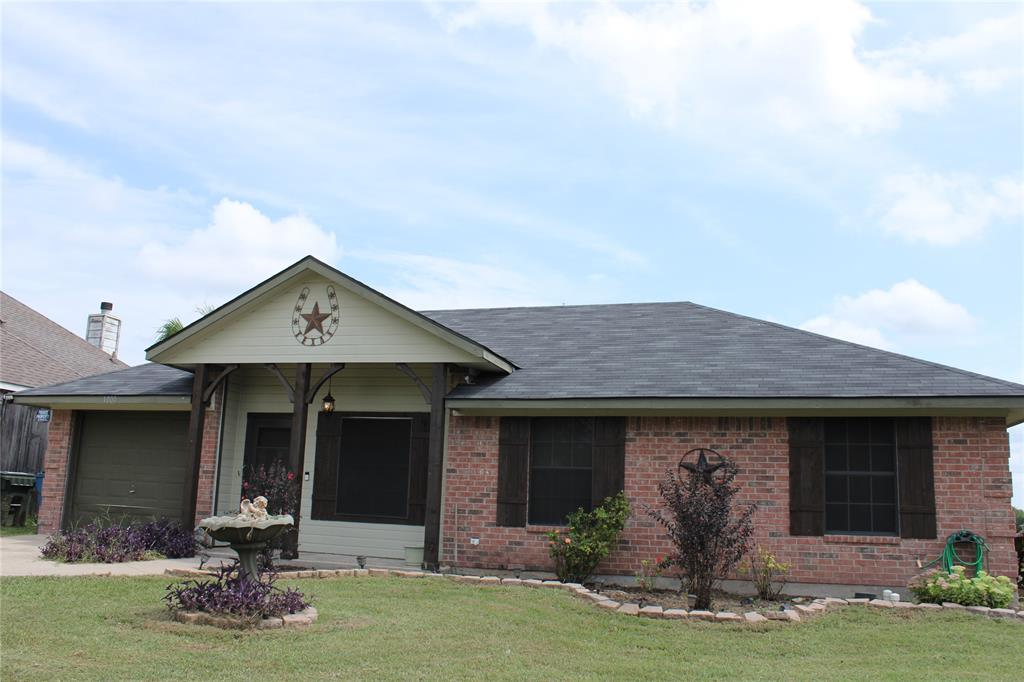 1000 Woodside  Lane, Seagoville, Texas 75159 - Acquisto Real Estate best frisco realtor Amy Gasperini 1031 exchange expert