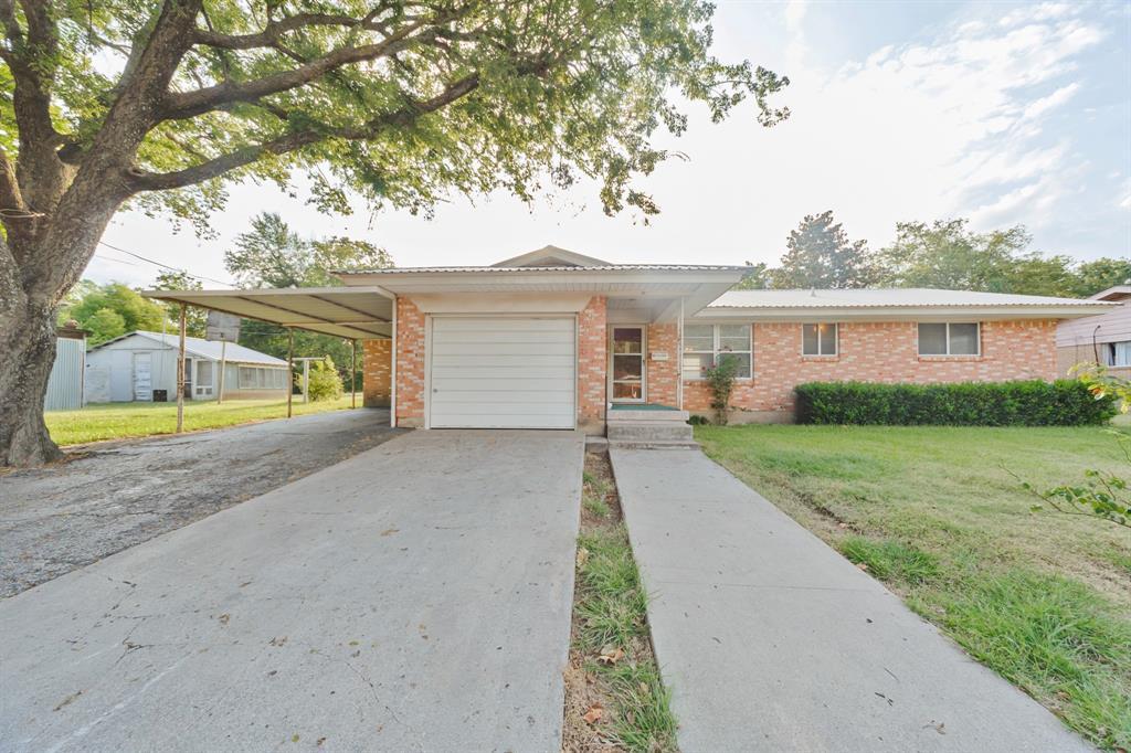 401 Vick  Street, Decatur, Texas 76234 - Acquisto Real Estate best frisco realtor Amy Gasperini 1031 exchange expert