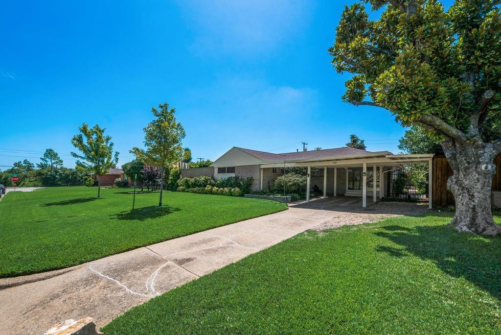 3362 Lockmoor  Lane, Dallas, Texas 75220 - Acquisto Real Estate best frisco realtor Amy Gasperini 1031 exchange expert