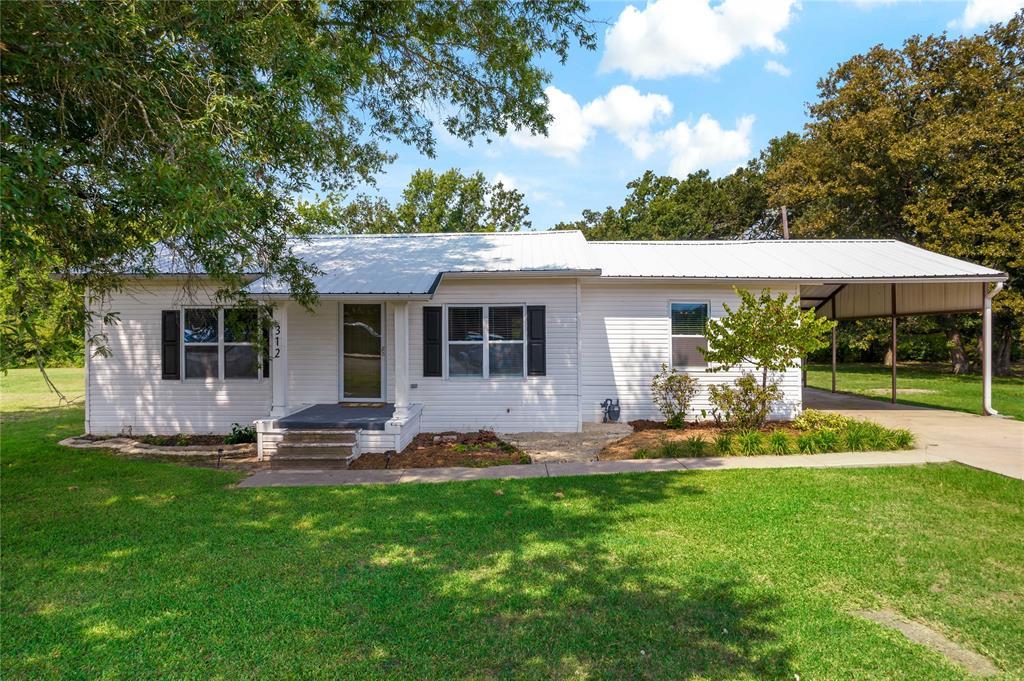 312 Circle Drive  Bogata, Texas 75417 - Acquisto Real Estate best frisco realtor Amy Gasperini 1031 exchange expert