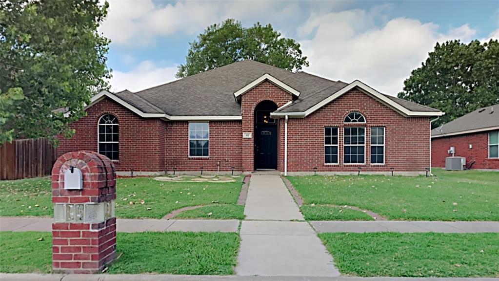 327 Fox Hollow  Drive, Red Oak, Texas 75154 - Acquisto Real Estate best frisco realtor Amy Gasperini 1031 exchange expert