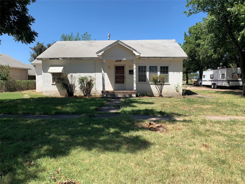 303 Avenue D  Haskell, Texas 79521 - Acquisto Real Estate best frisco realtor Amy Gasperini 1031 exchange expert
