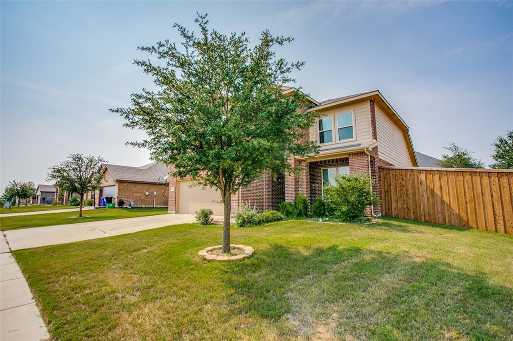 1421 Glenwood  Drive, Azle, Texas 76020 - Acquisto Real Estate best frisco realtor Amy Gasperini 1031 exchange expert