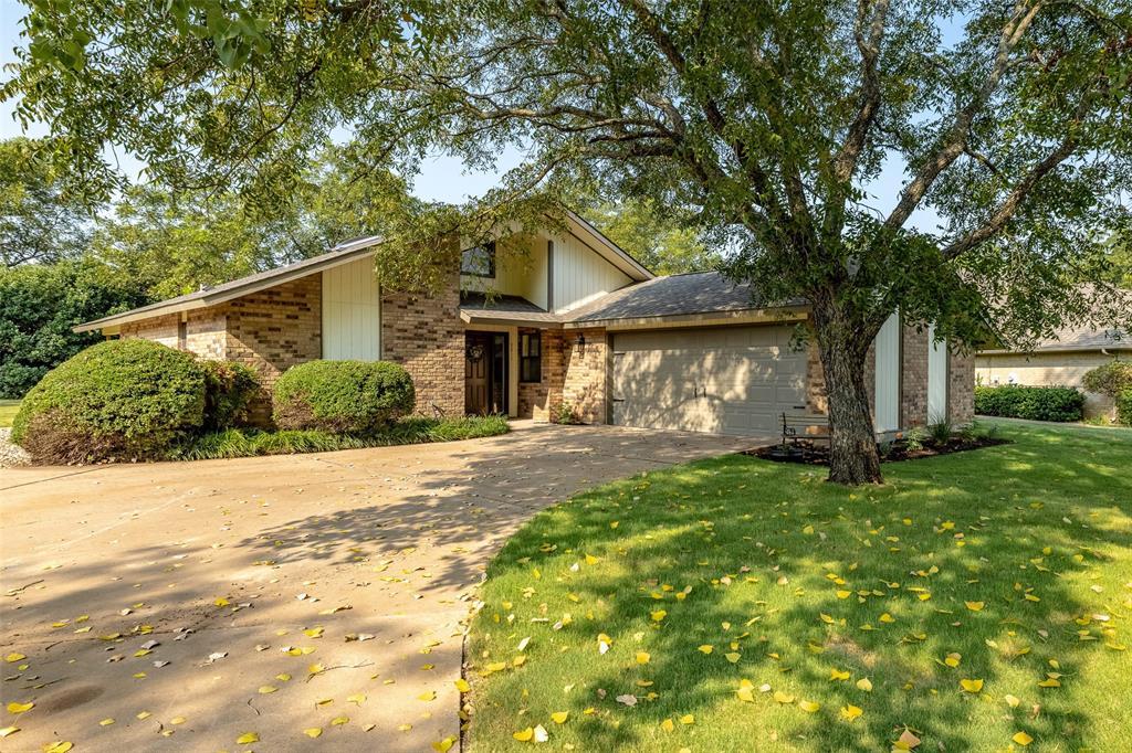 8811 The Briers  Court, Granbury, Texas 76049 - Acquisto Real Estate best frisco realtor Amy Gasperini 1031 exchange expert
