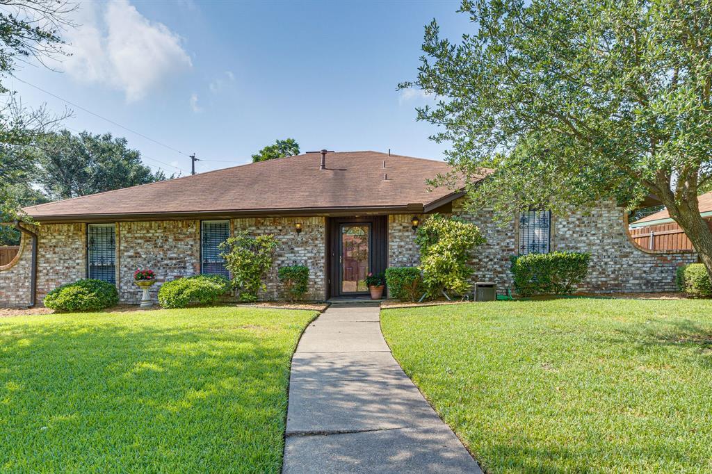402 Dinalynn  Street, Mesquite, Texas 75149 - Acquisto Real Estate best frisco realtor Amy Gasperini 1031 exchange expert