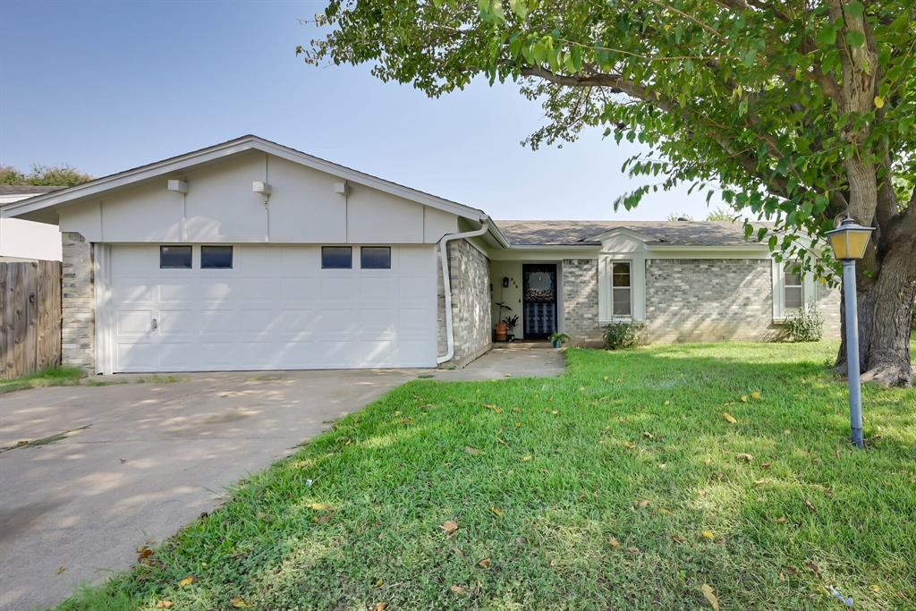 828 Colony  Drive, Crowley, Texas 76036 - Acquisto Real Estate best frisco realtor Amy Gasperini 1031 exchange expert