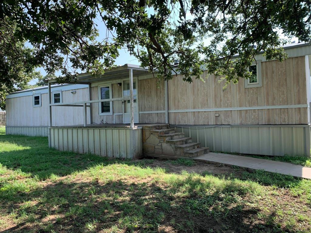 197 Oak Meadows  Drive, Springtown, Texas 76082 - Acquisto Real Estate best frisco realtor Amy Gasperini 1031 exchange expert