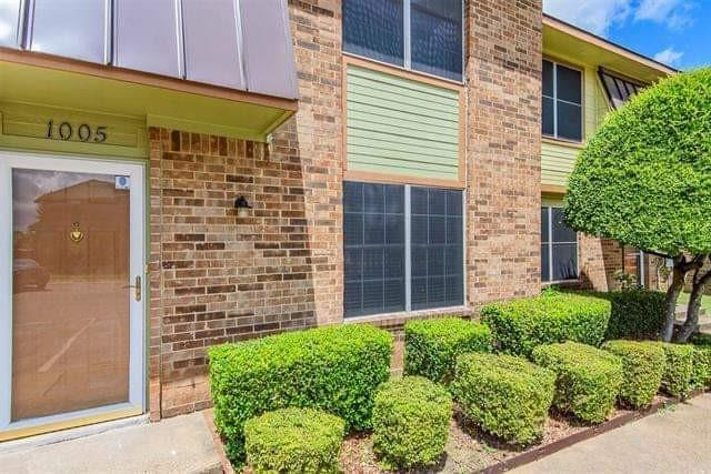 1005 Vedral  Place, Cedar Hill, Texas 75104 - Acquisto Real Estate best frisco realtor Amy Gasperini 1031 exchange expert