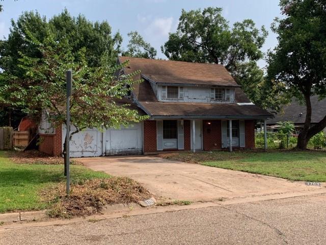 1703 Foster  Drive, Arlington, Texas 76012 - Acquisto Real Estate best frisco realtor Amy Gasperini 1031 exchange expert