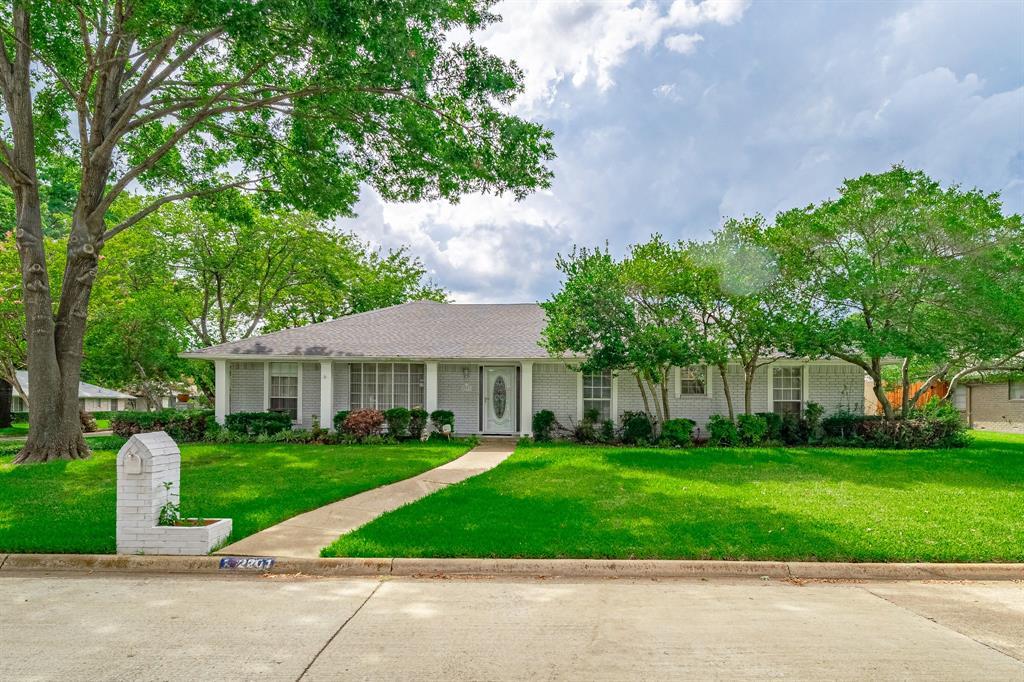 2201 Prince John  Drive, Grand Prairie, Texas 75050 - Acquisto Real Estate best frisco realtor Amy Gasperini 1031 exchange expert