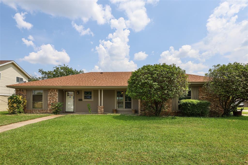 637 Barkridge  Trail, Burleson, Texas 76028 - Acquisto Real Estate best frisco realtor Amy Gasperini 1031 exchange expert