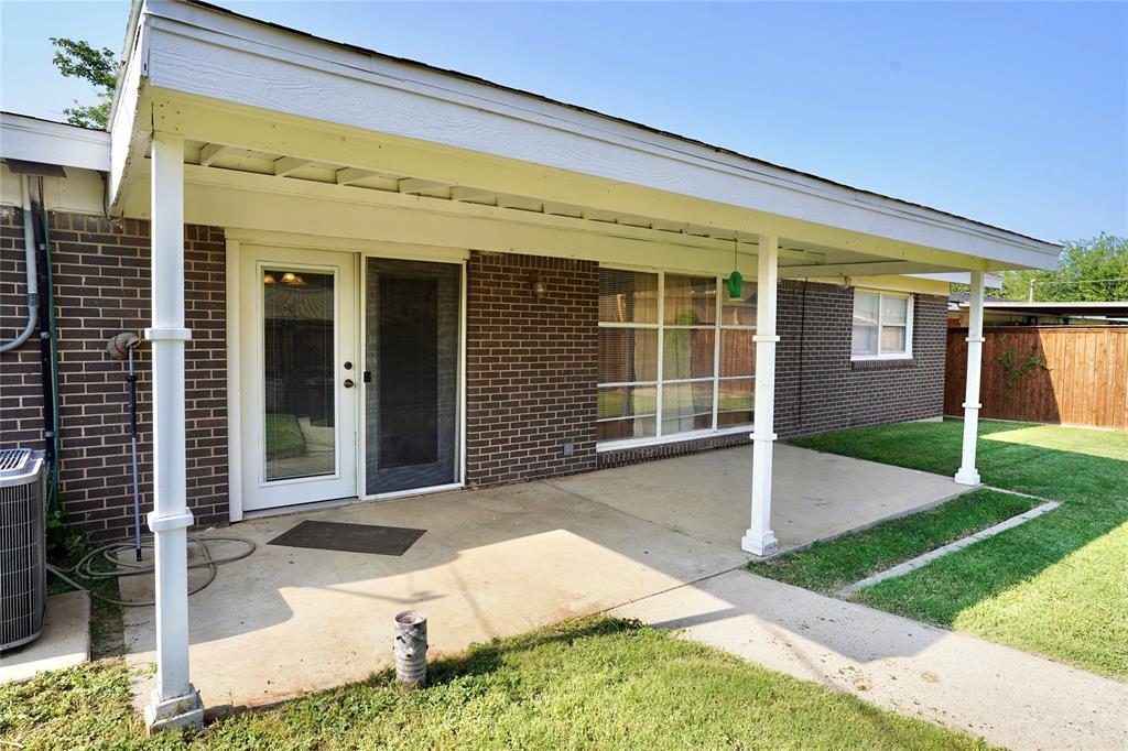 1702 Alabama  Street, Big Spring, Texas 79720 - Acquisto Real Estate best frisco realtor Amy Gasperini 1031 exchange expert