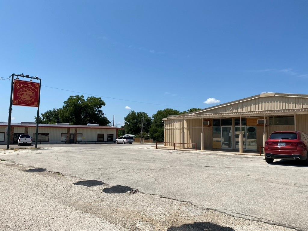 1715 Vine  Street, Colorado City, Texas 79512 - Acquisto Real Estate best frisco realtor Amy Gasperini 1031 exchange expert