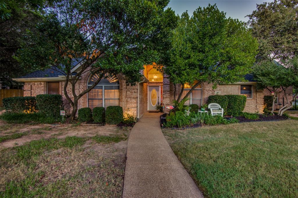 105 Mustang  Trail, Shady Shores, Texas 76208 - Acquisto Real Estate best frisco realtor Amy Gasperini 1031 exchange expert