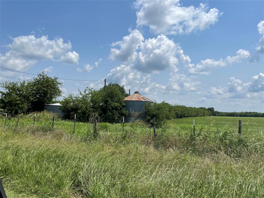 0001 County Rd 4030  Savoy, Texas 75479 - Acquisto Real Estate best frisco realtor Amy Gasperini 1031 exchange expert