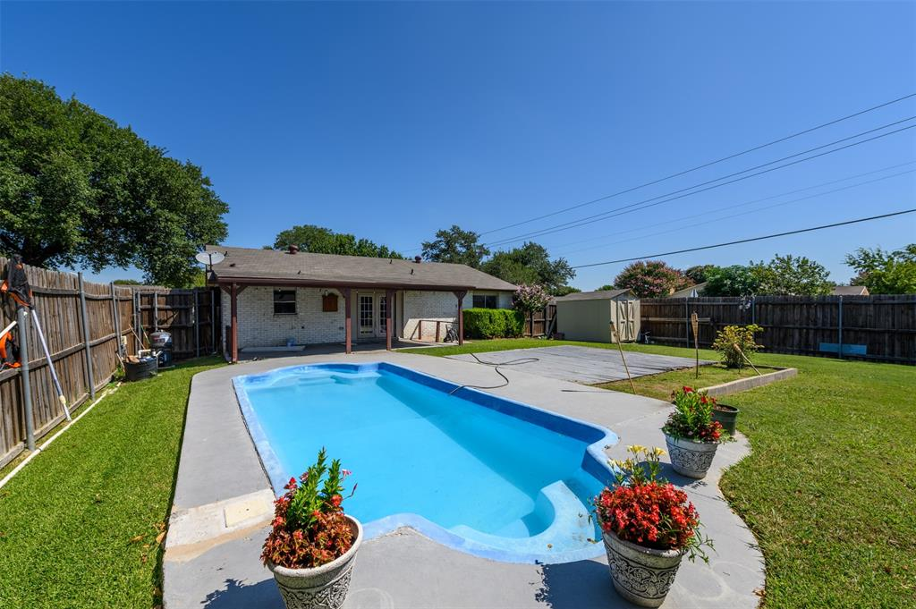 2042 Lymington  Road, Carrollton, Texas 75007 - Acquisto Real Estate best frisco realtor Amy Gasperini 1031 exchange expert