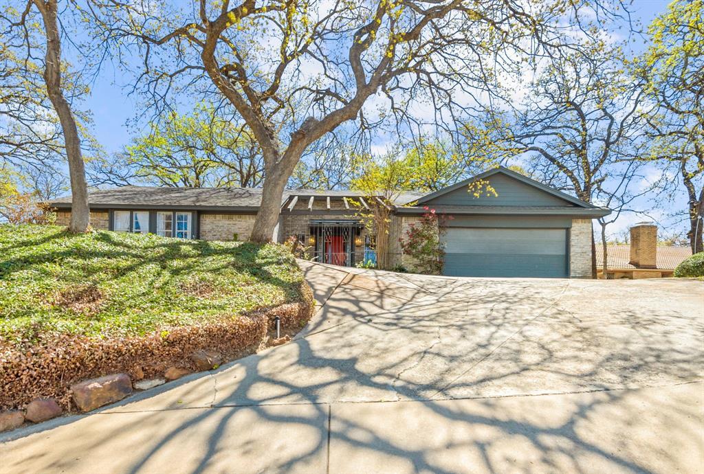 2816 Lakeshore  Drive, Arlington, Texas 76013 - Acquisto Real Estate best frisco realtor Amy Gasperini 1031 exchange expert
