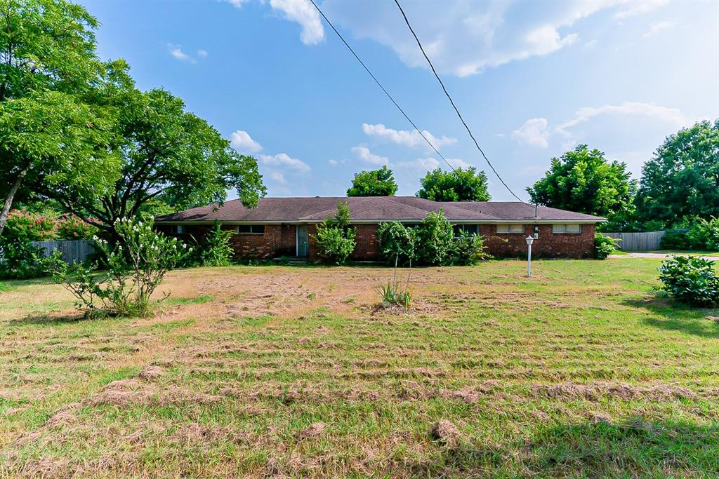 6201 Ten Mile Bridge  Road, Fort Worth, Texas 76135 - Acquisto Real Estate best frisco realtor Amy Gasperini 1031 exchange expert