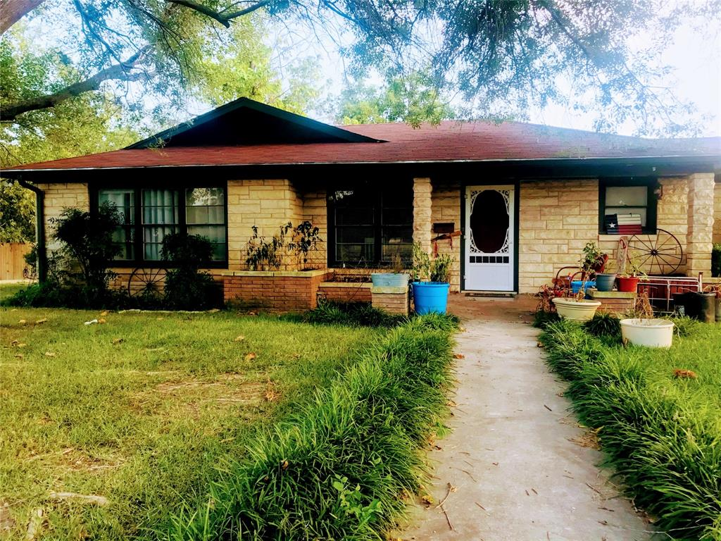 800 Coke  Street, Hamilton, Texas 76531 - Acquisto Real Estate best frisco realtor Amy Gasperini 1031 exchange expert