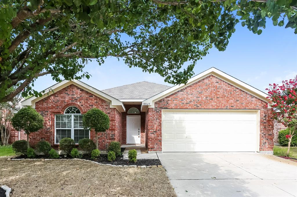 10849 Braemoor  Drive, Fort Worth, Texas 76052 - Acquisto Real Estate best frisco realtor Amy Gasperini 1031 exchange expert