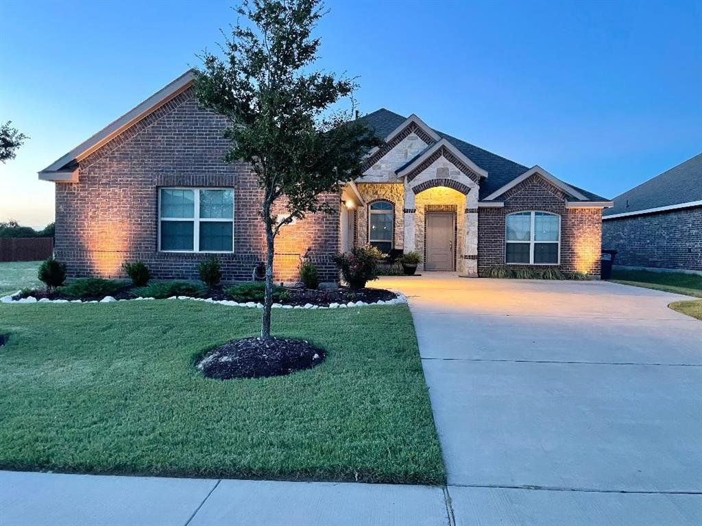 305 Stefani  Drive, Red Oak, Texas 75154 - Acquisto Real Estate best frisco realtor Amy Gasperini 1031 exchange expert