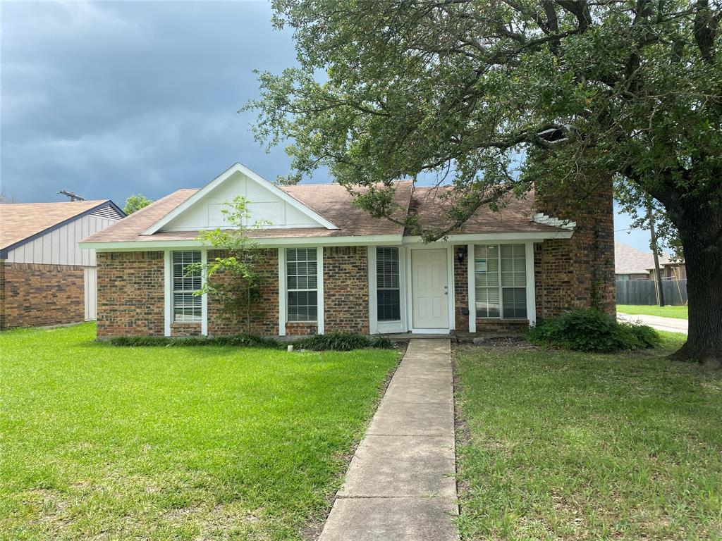 1202 Ross  Lane, Seagoville, Texas 75159 - Acquisto Real Estate best frisco realtor Amy Gasperini 1031 exchange expert