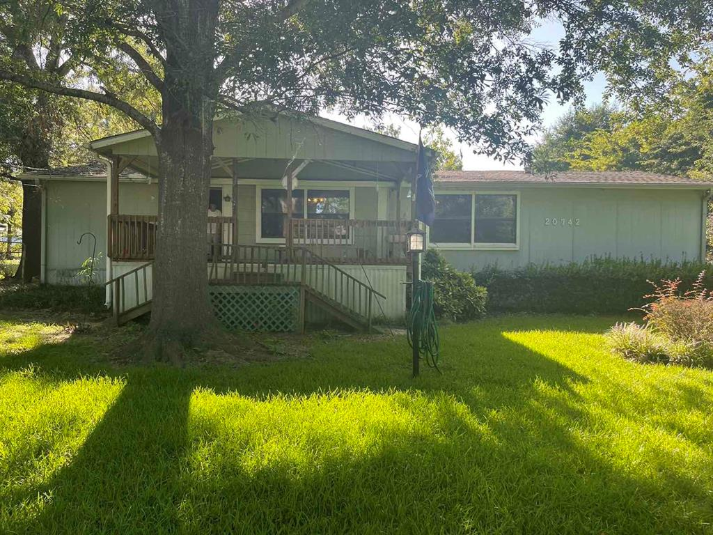 20742 Meadowbrook  Drive, Chandler, Texas 75758 - Acquisto Real Estate best frisco realtor Amy Gasperini 1031 exchange expert