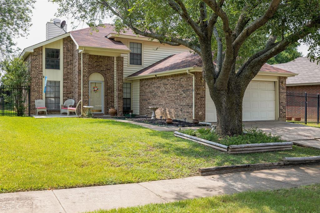 2304 Clareton  Drive, Arlington, Texas 76018 - Acquisto Real Estate best frisco realtor Amy Gasperini 1031 exchange expert