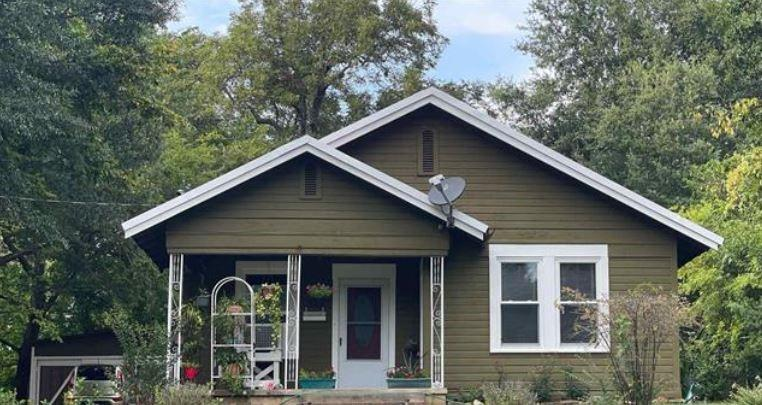 934 Graham  Street, Paris, Texas 75460 - Acquisto Real Estate best frisco realtor Amy Gasperini 1031 exchange expert