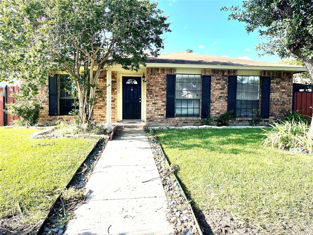 3005 Ridgemoor  Drive, Garland, Texas 75044 - Acquisto Real Estate best frisco realtor Amy Gasperini 1031 exchange expert