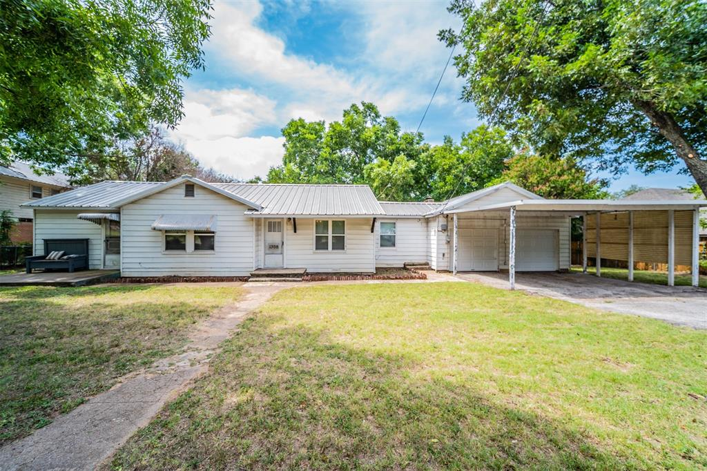 1308 Bank Head  Drive, Weatherford, Texas 76086 - Acquisto Real Estate best frisco realtor Amy Gasperini 1031 exchange expert