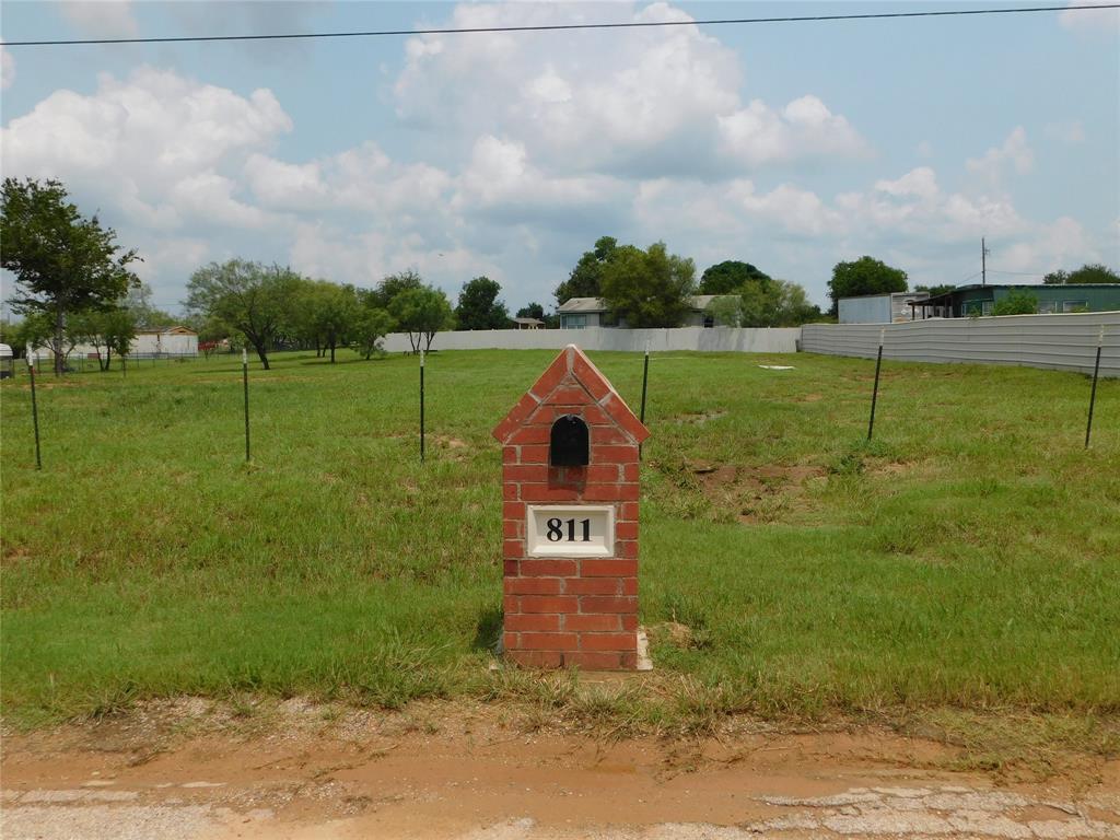811 Front  Street, Millsap, Texas 76066 - Acquisto Real Estate best frisco realtor Amy Gasperini 1031 exchange expert