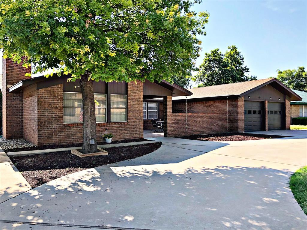 1710 Lou  Avenue, Sweetwater, Texas 79556 - Acquisto Real Estate best frisco realtor Amy Gasperini 1031 exchange expert