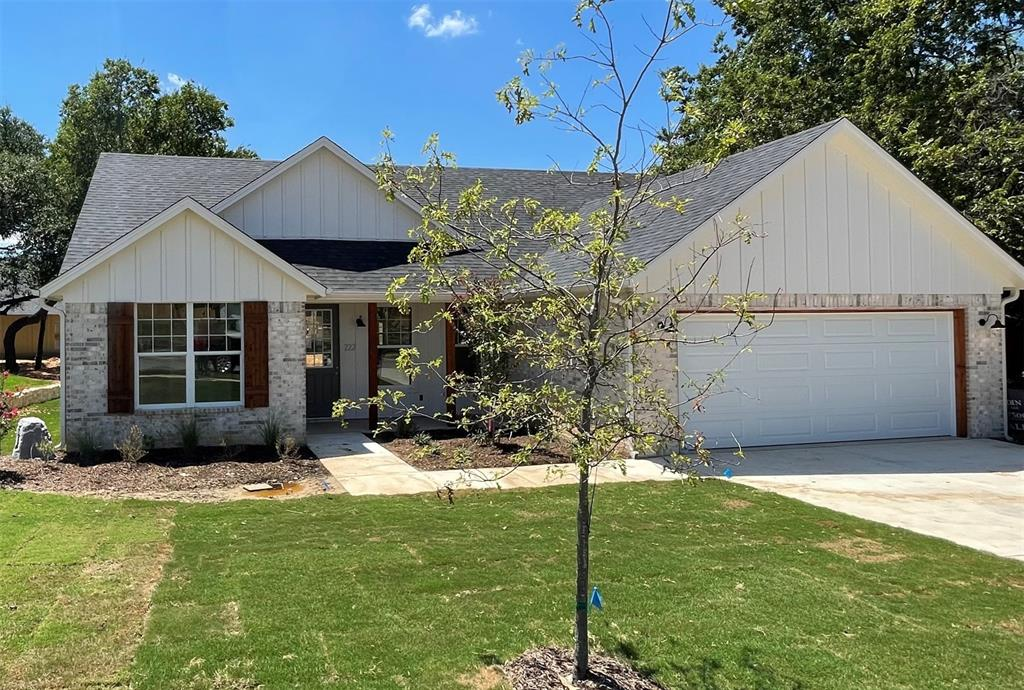 222 Prairie Wind  Boulevard, Stephenville, Texas 76401 - Acquisto Real Estate best frisco realtor Amy Gasperini 1031 exchange expert