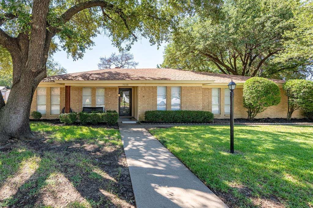 7508 Noreast  Drive, North Richland Hills, Texas 76180 - Acquisto Real Estate best frisco realtor Amy Gasperini 1031 exchange expert