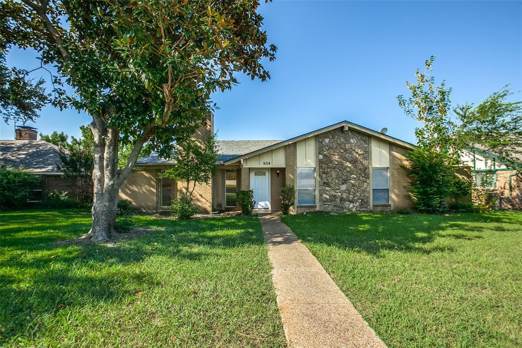 604 Woodhill  Circle, Richardson, Texas 75081 - Acquisto Real Estate best frisco realtor Amy Gasperini 1031 exchange expert