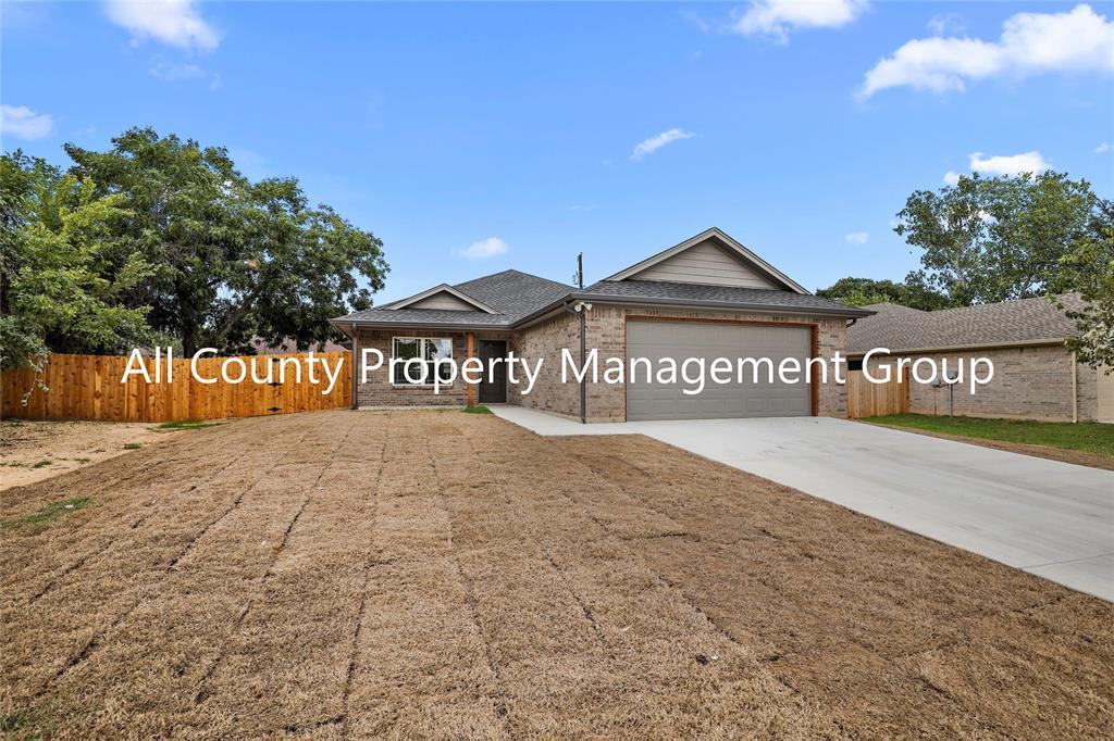 128 Dennis  Drive, Azle, Texas 76020 - Acquisto Real Estate best frisco realtor Amy Gasperini 1031 exchange expert