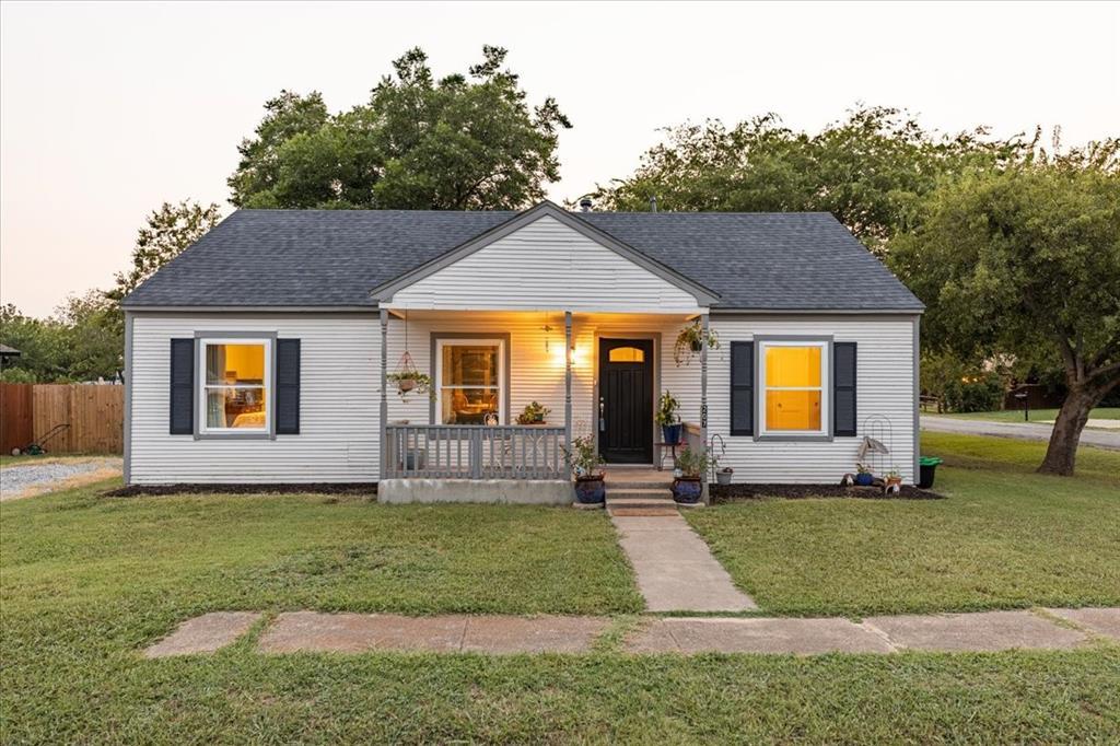 207 Spears  Street, Alvarado, Texas 76009 - Acquisto Real Estate best frisco realtor Amy Gasperini 1031 exchange expert