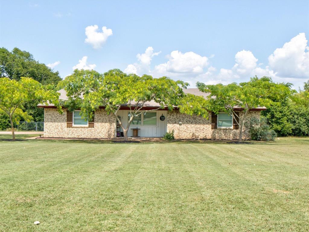 808 Fm 3049  Blum, Texas 76627 - Acquisto Real Estate best frisco realtor Amy Gasperini 1031 exchange expert