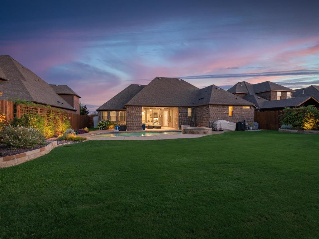 8957 Glendara  Drive, North Richland Hills, Texas 76182 - Acquisto Real Estate best frisco realtor Amy Gasperini 1031 exchange expert