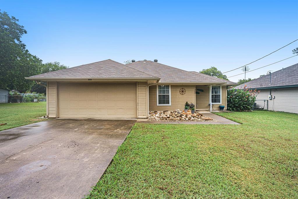 308 Warren  Street, Cleburne, Texas 76033 - Acquisto Real Estate best frisco realtor Amy Gasperini 1031 exchange expert