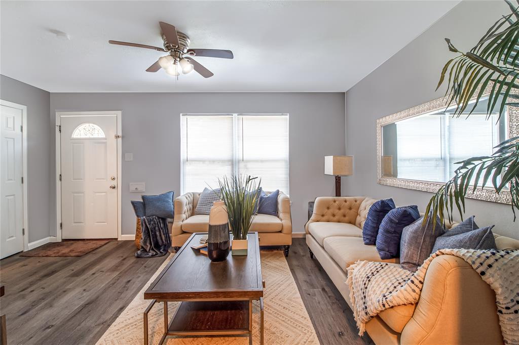 1509 Woodcrest  Drive, Mesquite, Texas 75149 - Acquisto Real Estate best frisco realtor Amy Gasperini 1031 exchange expert