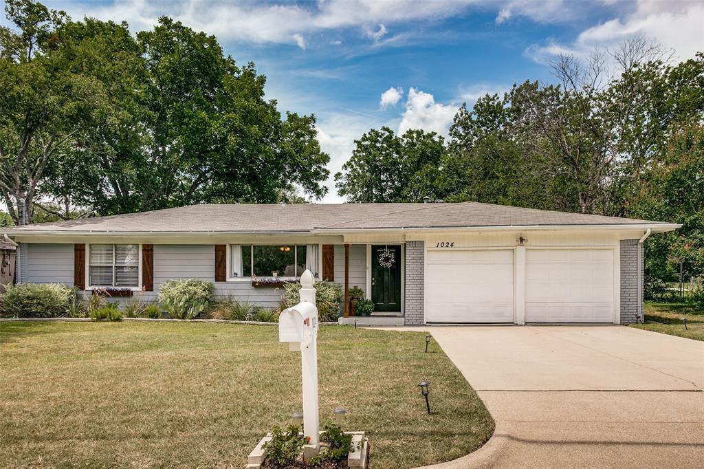 1024 Wade Hampton  Street, Benbrook, Texas 76126 - Acquisto Real Estate best frisco realtor Amy Gasperini 1031 exchange expert