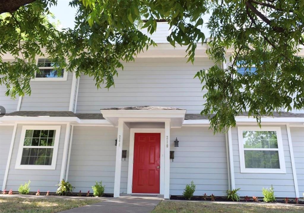 208 Rucker  Street, Granbury, Texas 76048 - Acquisto Real Estate best frisco realtor Amy Gasperini 1031 exchange expert