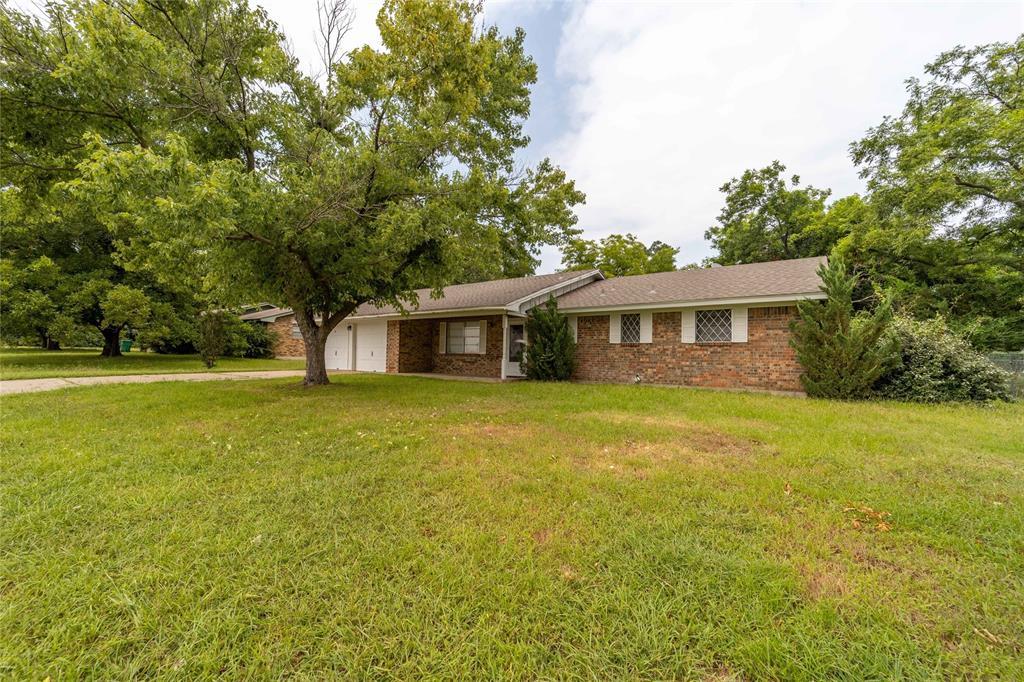 913 Dale  Avenue, Stephenville, Texas 76401 - Acquisto Real Estate best frisco realtor Amy Gasperini 1031 exchange expert
