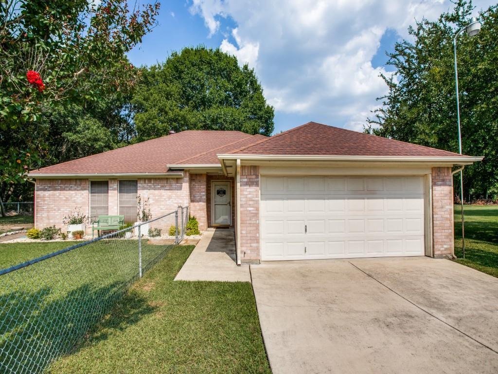 1641 Canyon Creek  Drive, Azle, Texas 76020 - Acquisto Real Estate best frisco realtor Amy Gasperini 1031 exchange expert