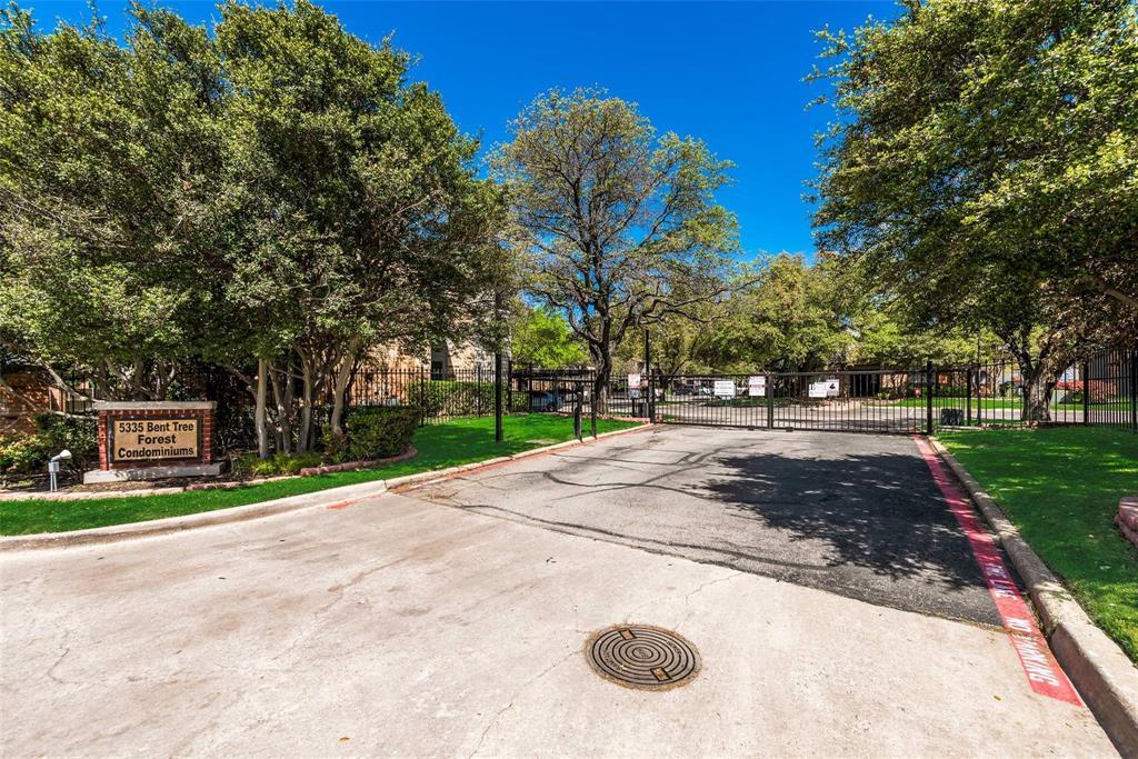 5335 Bent Tree Forest  Drive, Dallas, Texas 75248 - Acquisto Real Estate best frisco realtor Amy Gasperini 1031 exchange expert