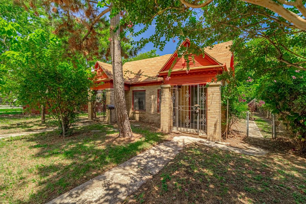 3819 Penrod  Avenue, Cockrell Hill, Texas 75211 - Acquisto Real Estate best frisco realtor Amy Gasperini 1031 exchange expert